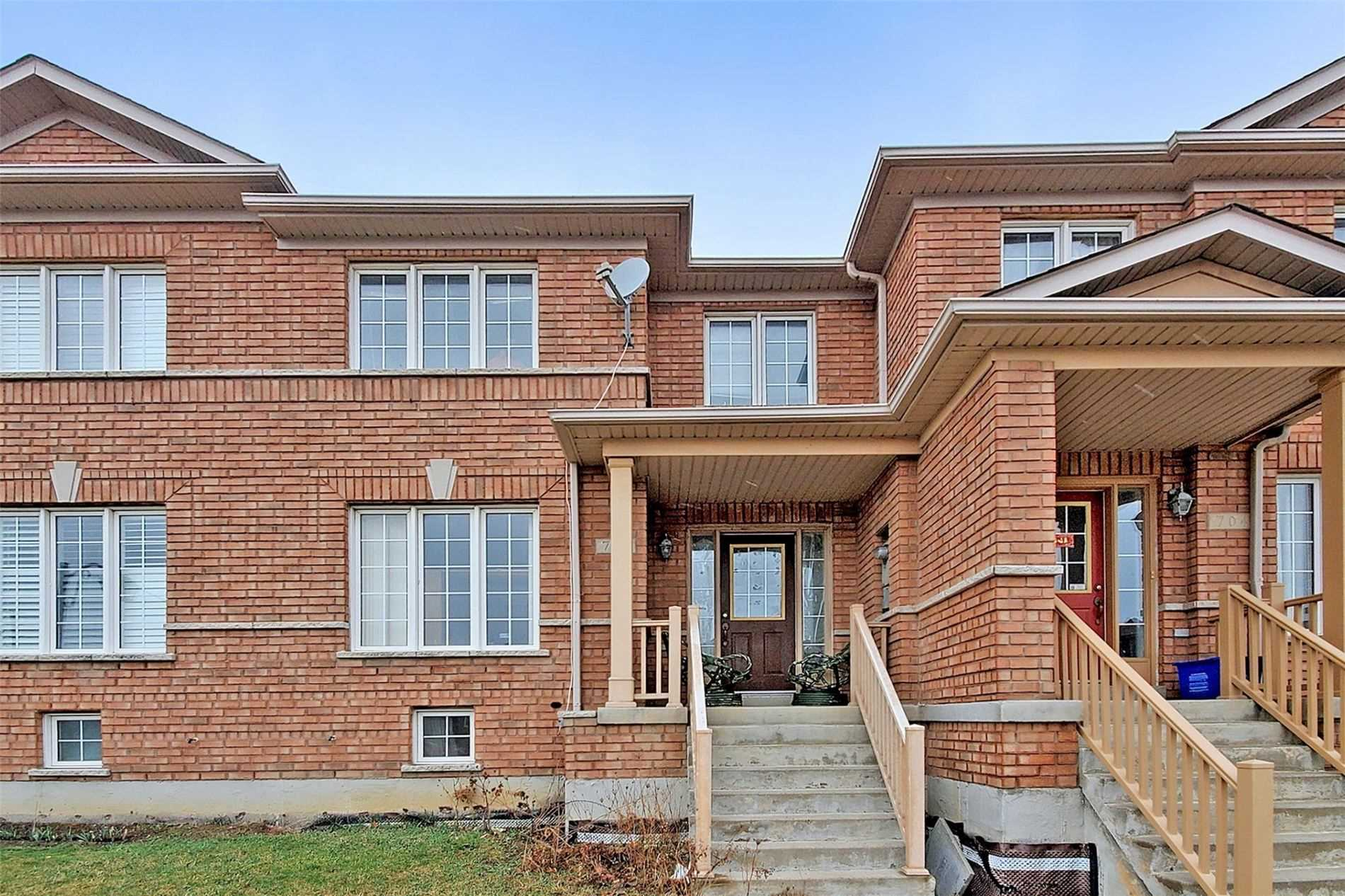 pictures of house for sale MLS: N5173692 located at 702 Castlemore Ave, Markham L6E1M9