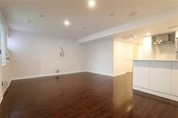 Image 2 of 11 showing inside of 0 Bedroom Att/Row/Twnhouse Apartment for Lease at 49 Walkview Cres, Richmond Hill L4E4H5