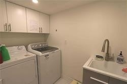 Image 3 of 11 showing inside of 0 Bedroom Att/Row/Twnhouse Apartment for Lease at 49 Walkview Cres, Richmond Hill L4E4H5