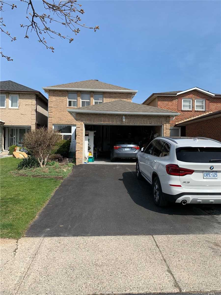 pictures of 70 Gray Cres, Richmond Hill L4C5V5