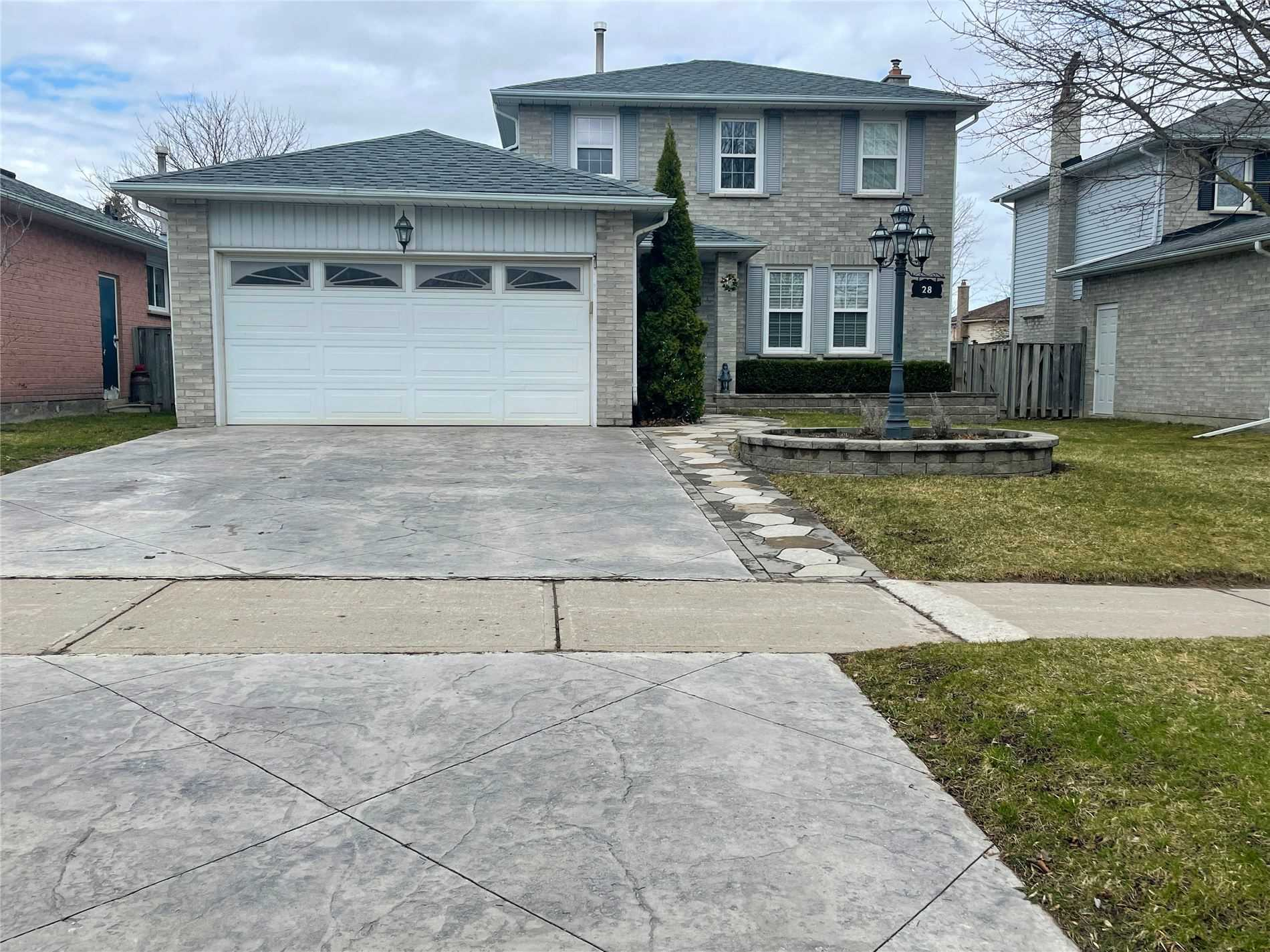 pictures of 28 Summerhill Rd, East Gwillimbury L9N1C6