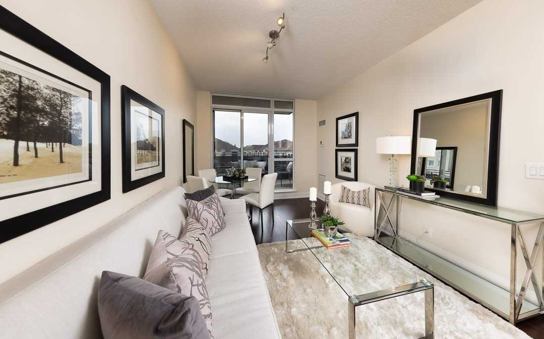 Image 5 of 23 showing inside of 1 Bedroom Condo Apt Apartment for Sale at 520 Steeles Ave W Unit# 315, Vaughan L4J0H2