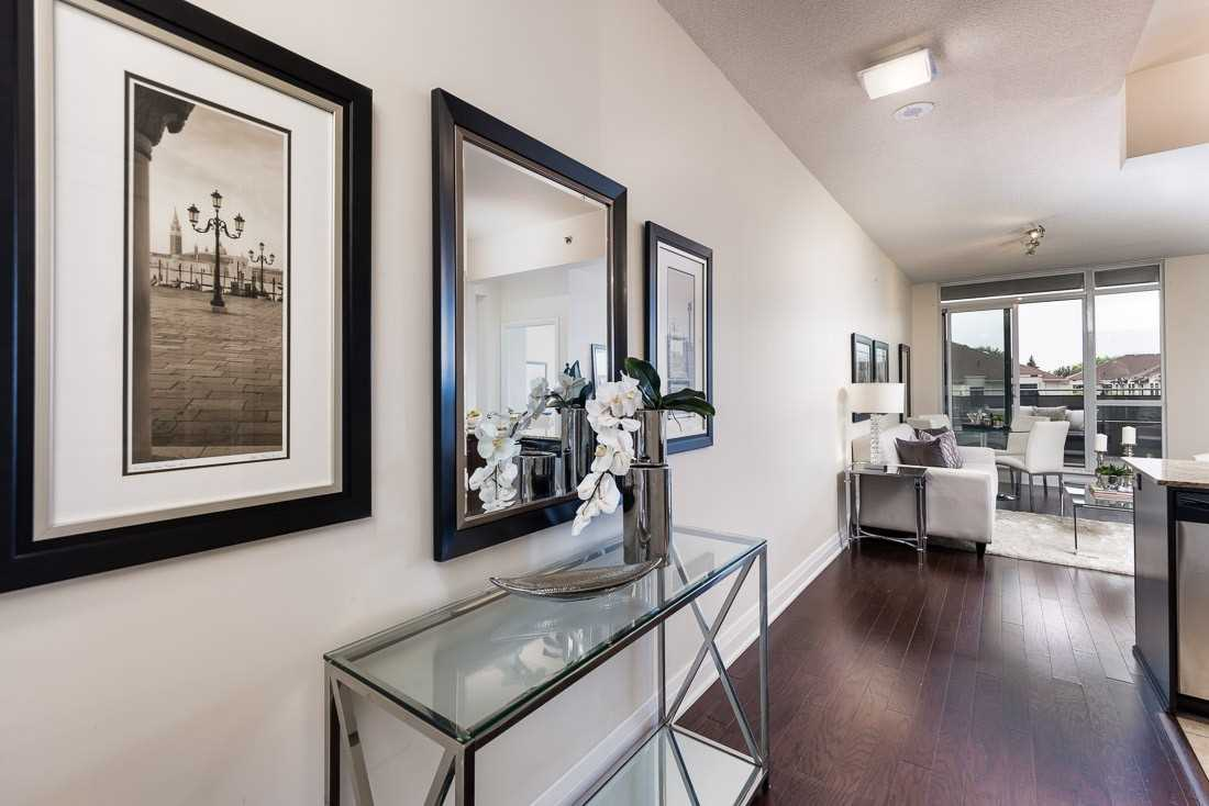 Image 20 of 23 showing inside of 1 Bedroom Condo Apt Apartment for Sale at 520 Steeles Ave W Unit# 315, Vaughan L4J0H2