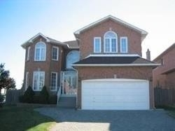 pictures of 211 Valleymede Dr, Richmond Hill L4B3S4