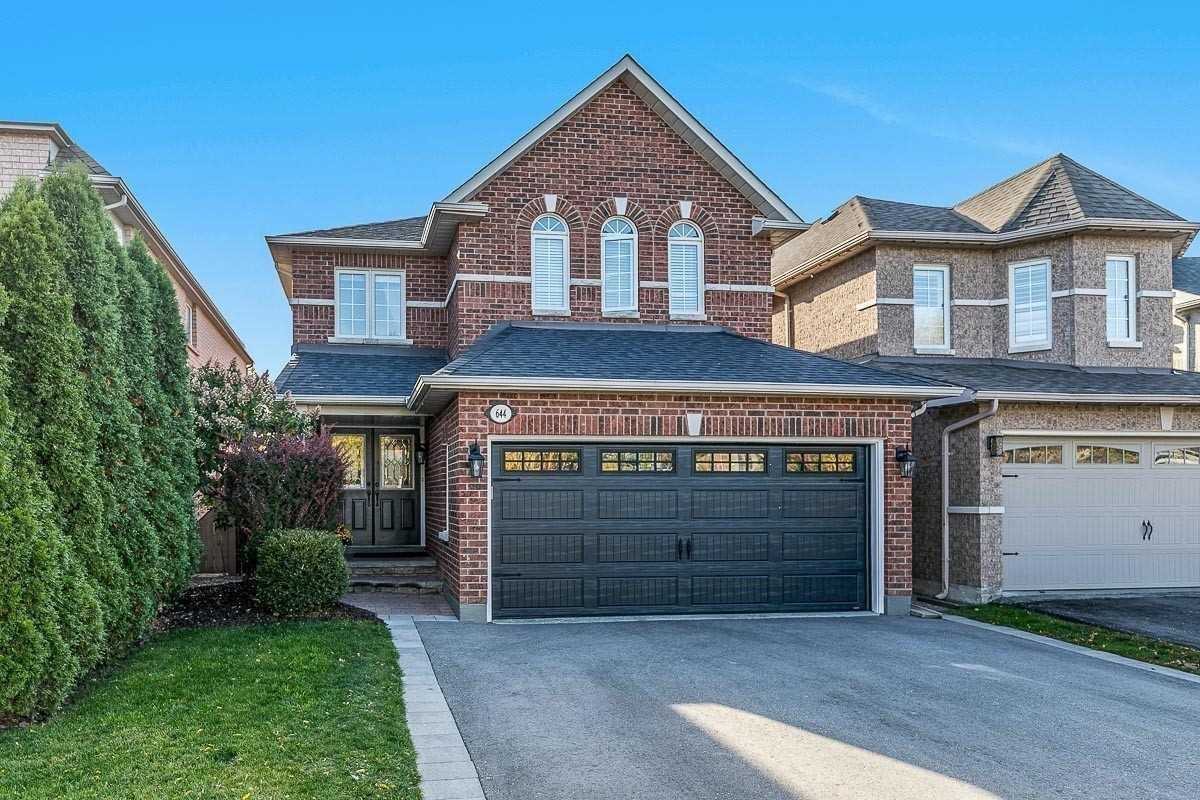 pictures of 644 Mcbean Ave, Newmarket L3X2J5