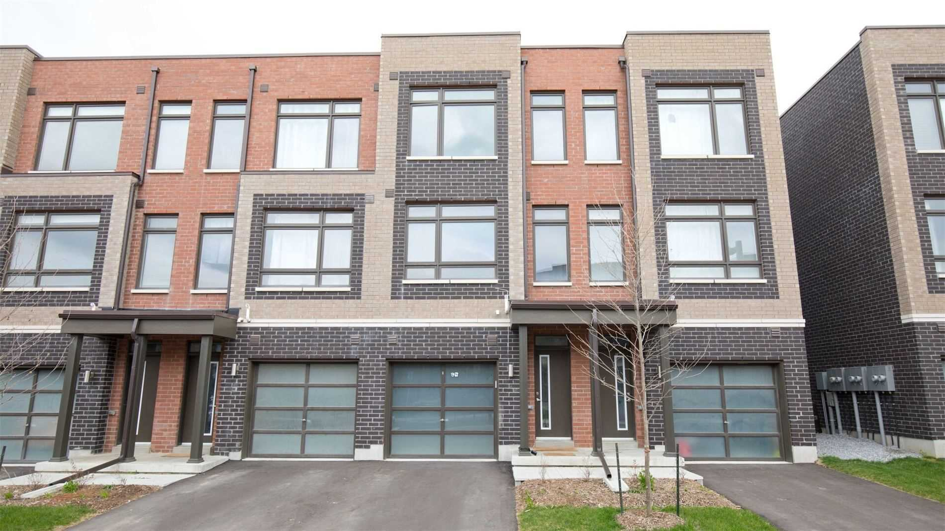 pictures of house for sale MLS: N5225382 located at 64 Saintfield Dr, Vaughan L4L0L6