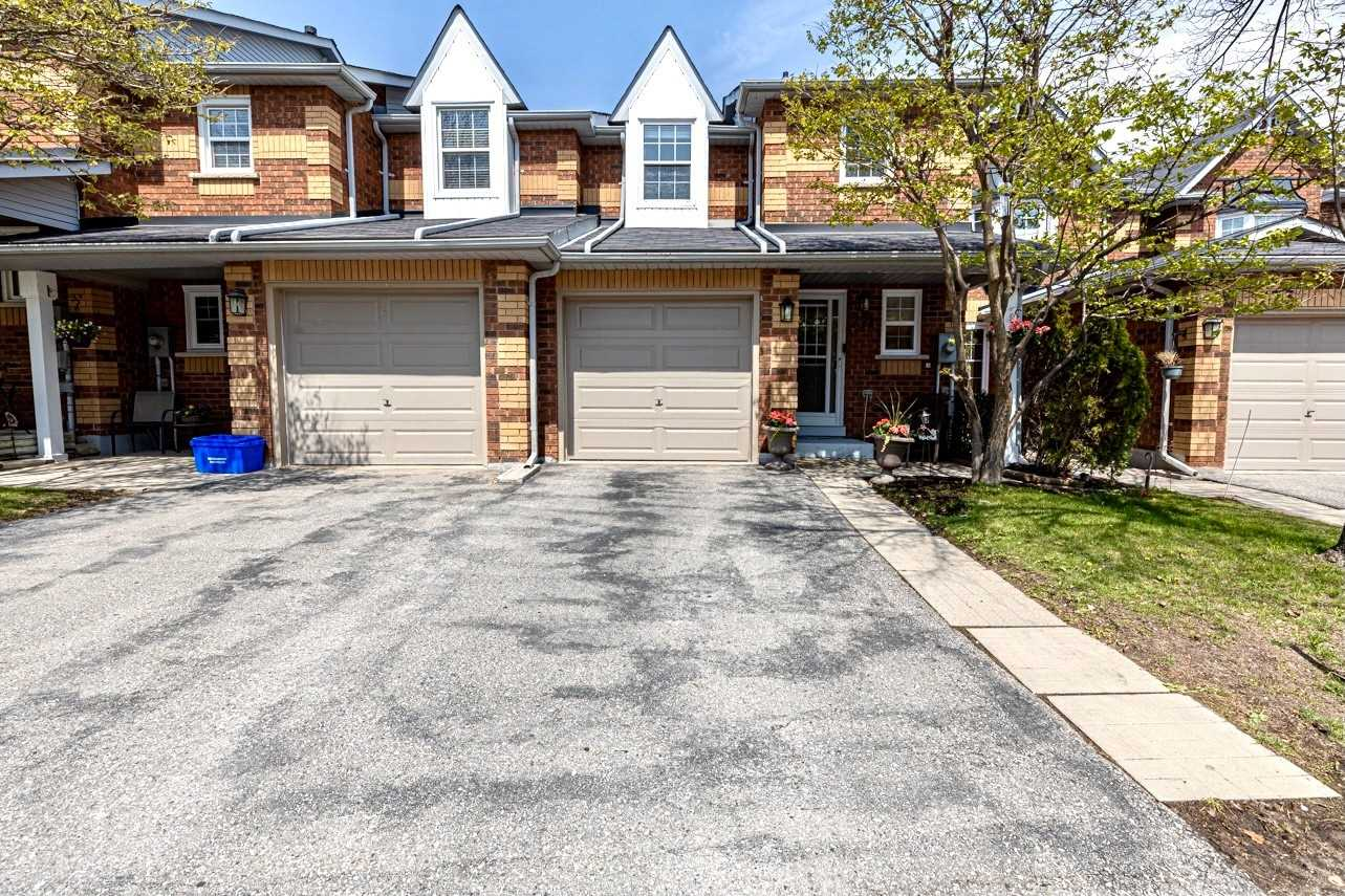 pictures of 771 Caradonna Cres, Newmarket L3X1W5