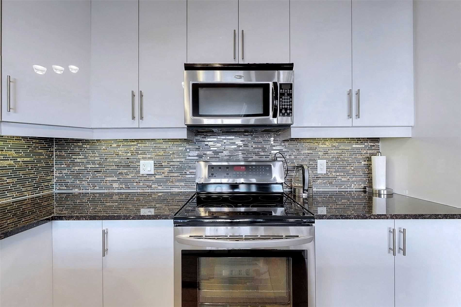 Image 2 of 33 showing inside of 1 Bedroom Condo Apt Apartment for Sale at 9235 Jane St Unit# 709, Vaughan L6A0J8