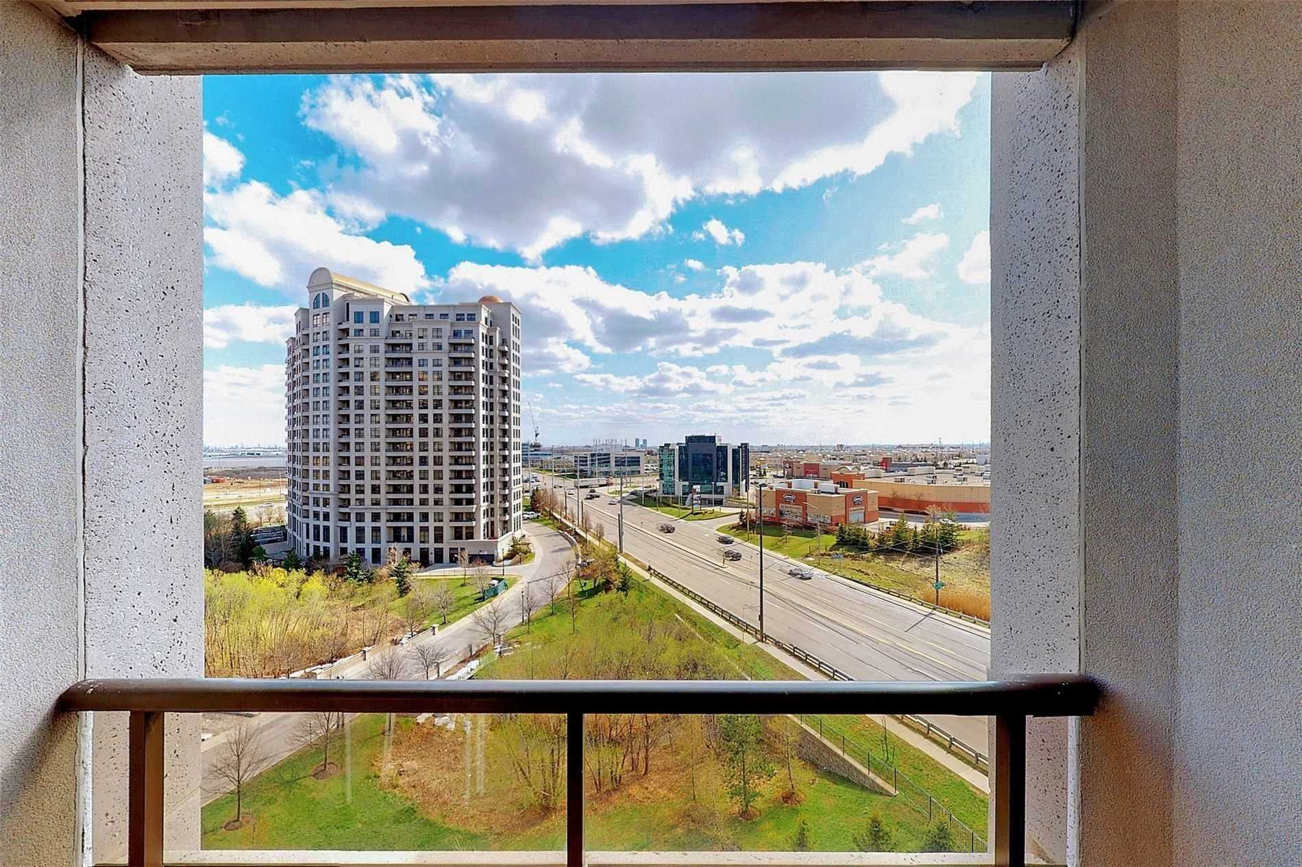 Image 19 of 33 showing inside of 1 Bedroom Condo Apt Apartment for Sale at 9235 Jane St Unit# 709, Vaughan L6A0J8