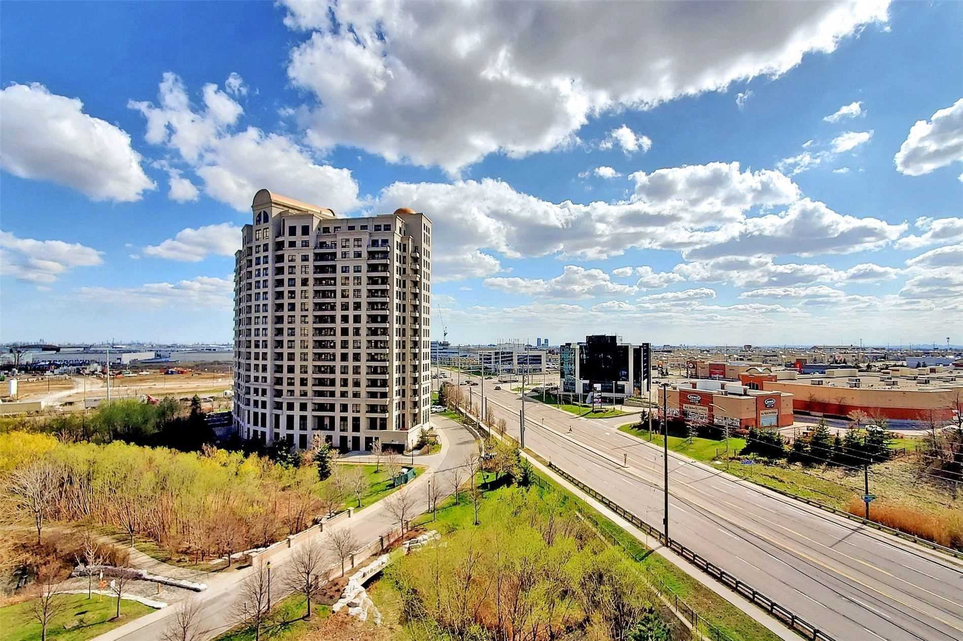 Image 20 of 33 showing inside of 1 Bedroom Condo Apt Apartment for Sale at 9235 Jane St Unit# 709, Vaughan L6A0J8