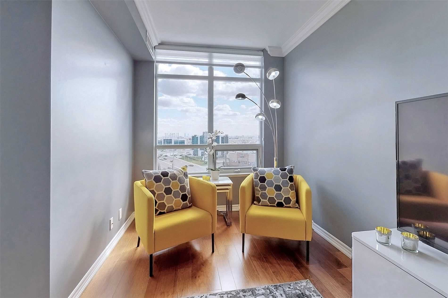 Image 30 of 33 showing inside of 1 Bedroom Condo Apt Apartment for Sale at 9235 Jane St Unit# 709, Vaughan L6A0J8