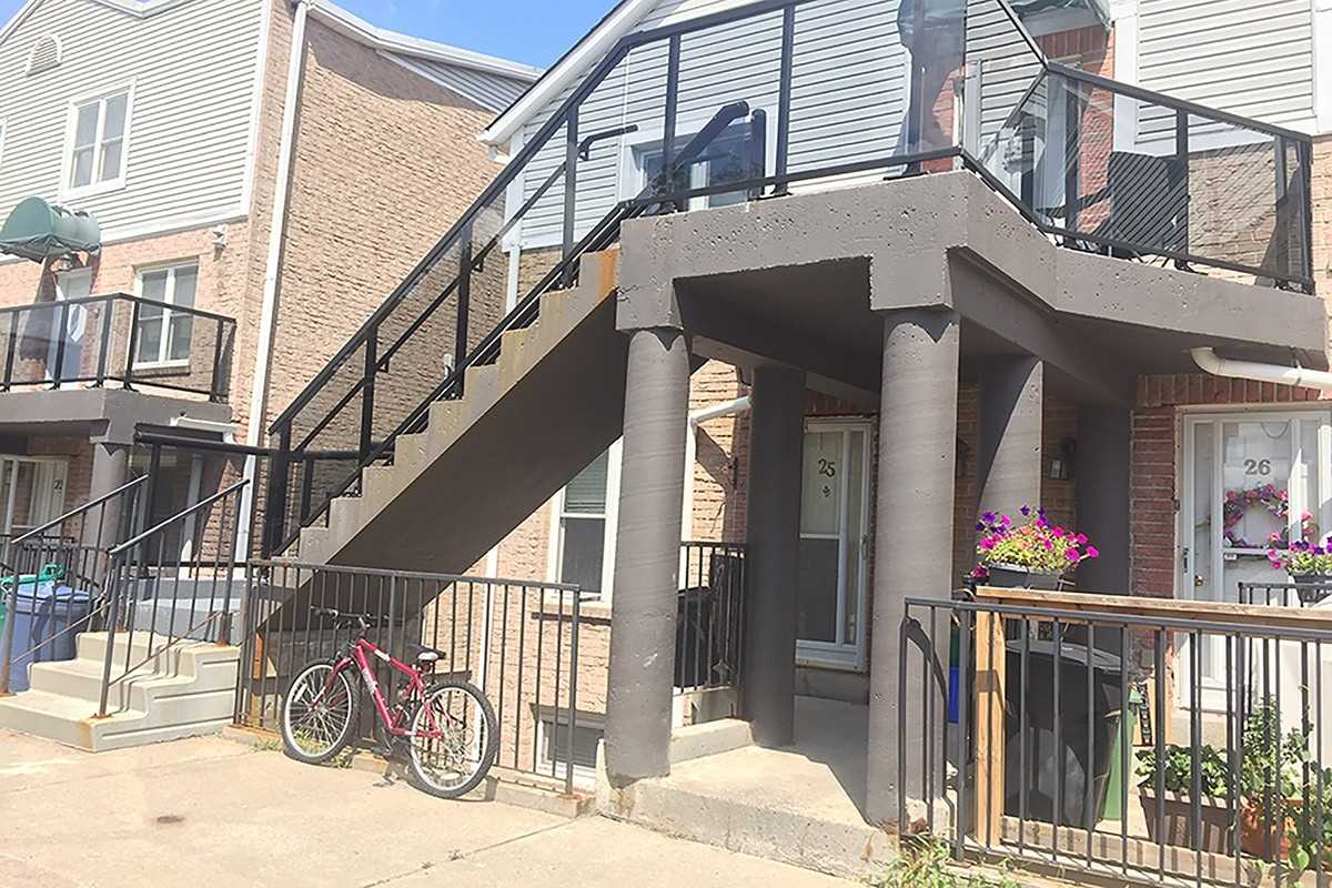 pictures of 115 Main St S, Newmarket L3Y8J2