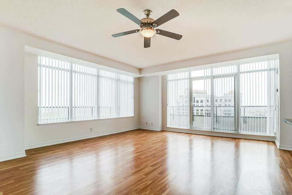 Image 10 of 17 showing inside of 2 Bedroom Comm Element Condo Apartment for Sale at 9235 Jane St Unit# 1606, Vaughan L6A0J8