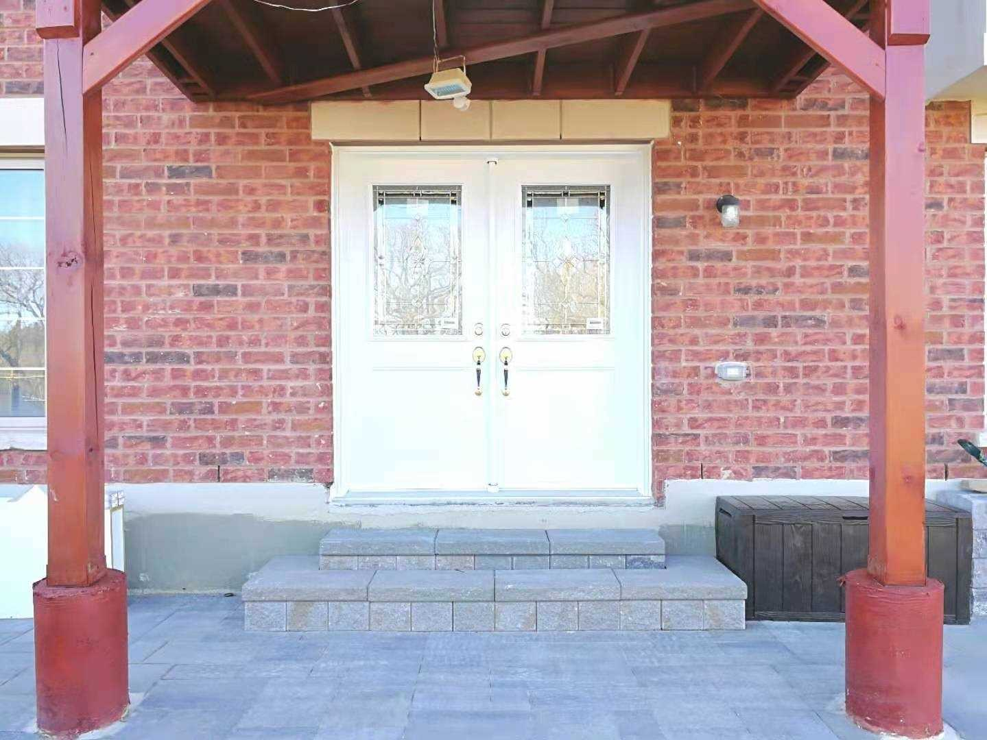 pictures of 46 Briarfield Ave, East Gwillimbury L9N0P5