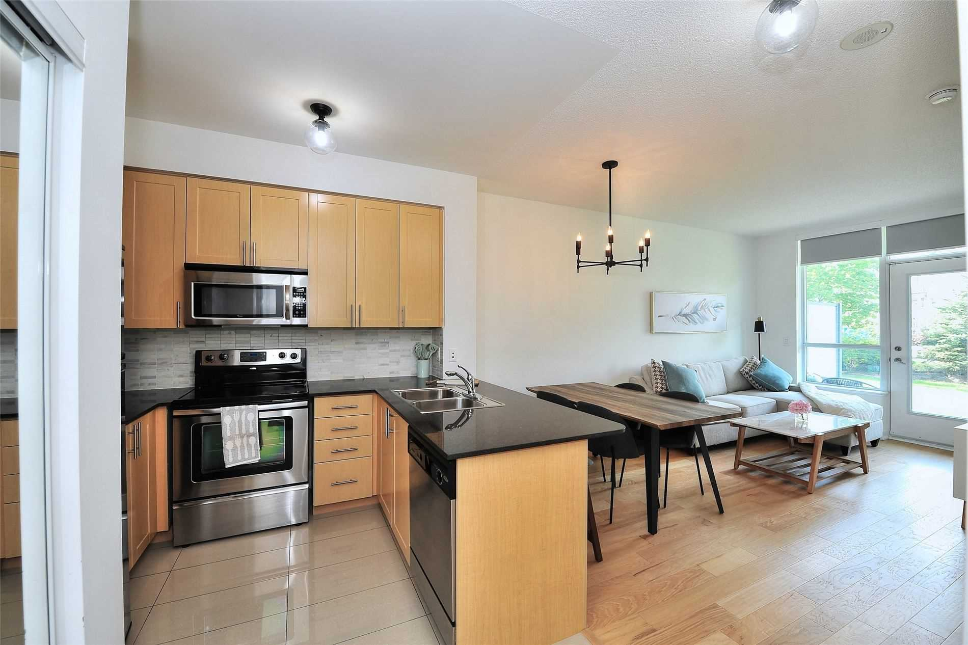 Image 7 of 30 showing inside of 1 Bedroom Condo Apt Apartment for Sale at 30 North Park Rd Unit# 101, Vaughan L4J0G6