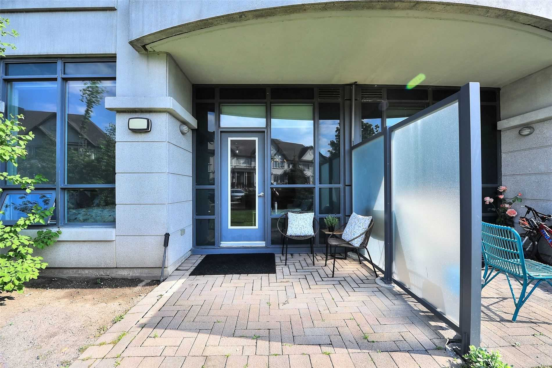 Image 20 of 30 showing inside of 1 Bedroom Condo Apt Apartment for Sale at 30 North Park Rd Unit# 101, Vaughan L4J0G6