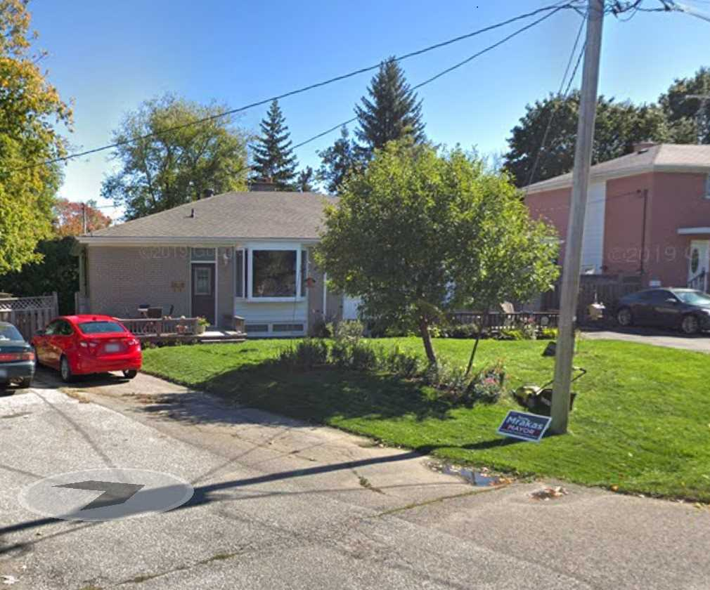 pictures of 43 Bailey Cres, Aurora L4G2B2