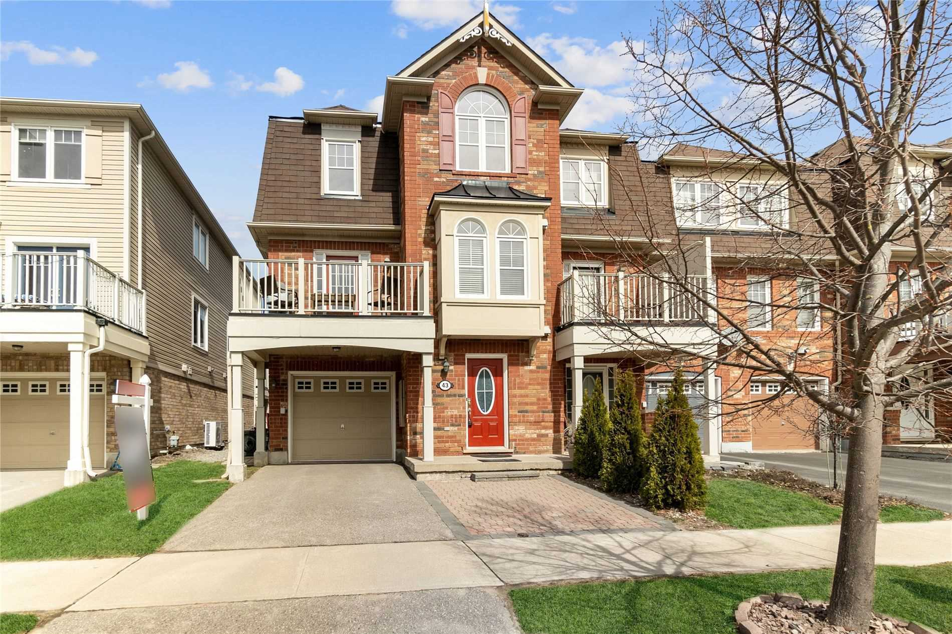 pictures of house for sale MLS: N5239764 located at 43 Miltrose Cres, Whitchurch-Stouffville L4A0P8