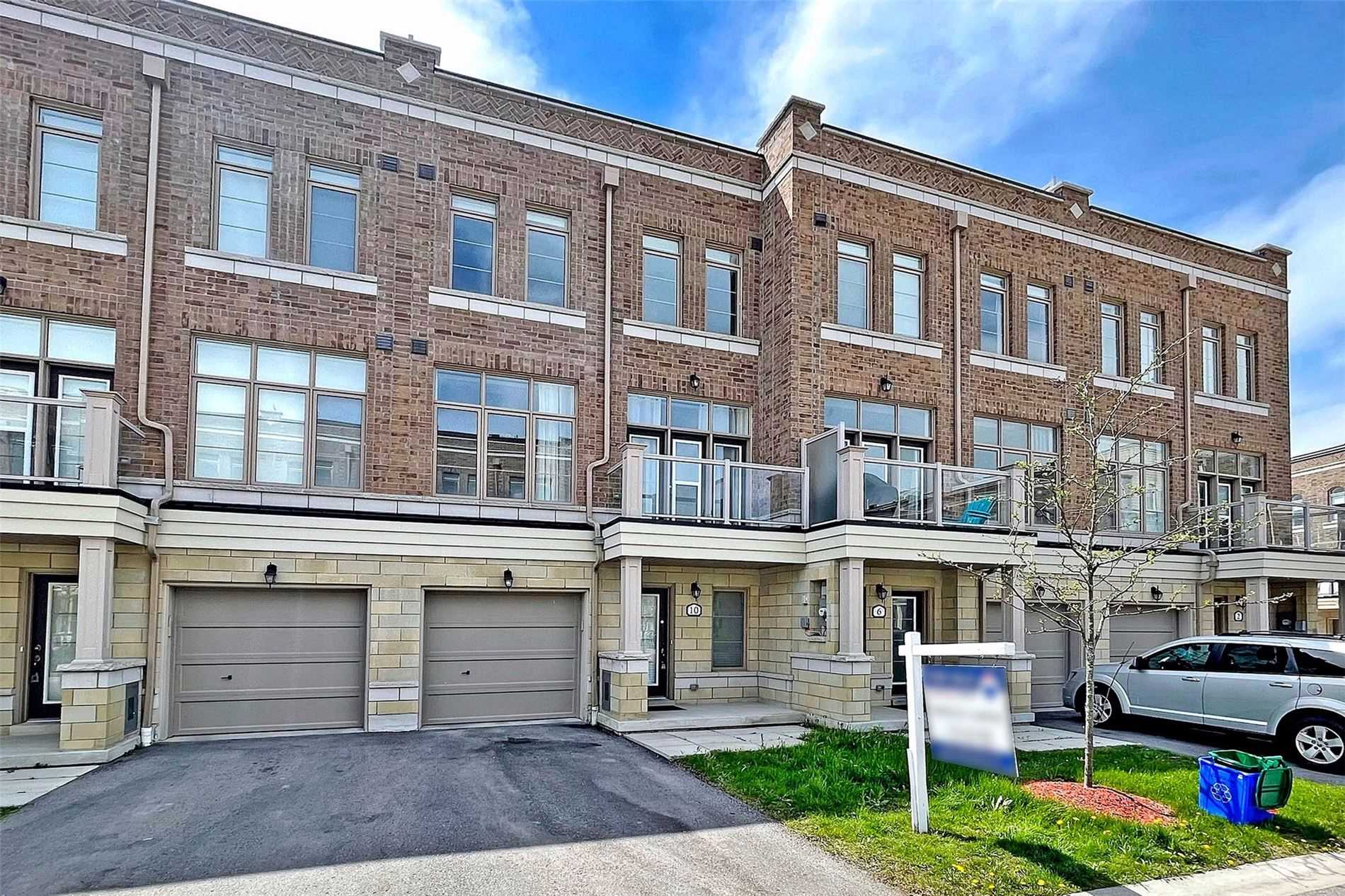 pictures of house for sale MLS: N5242657 located at 10 Arborea Lane, Whitchurch-Stouffville L4A1X1