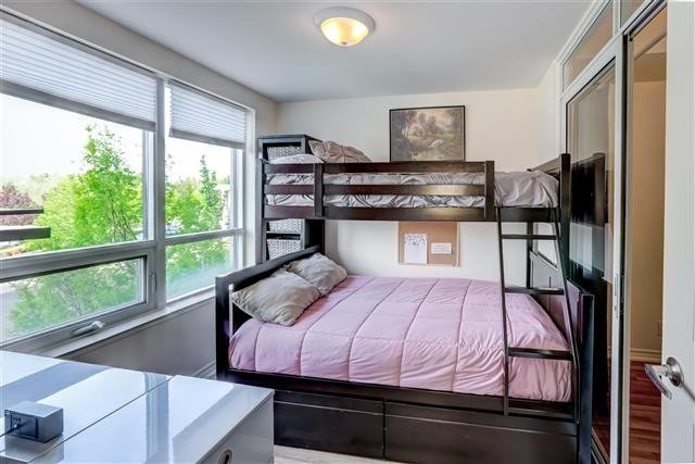 Image 11 of 31 showing inside of 1 Bedroom Condo Apt Apartment for Sale at 9235 Jane St Unit# 202, Vaughan L6A0J7