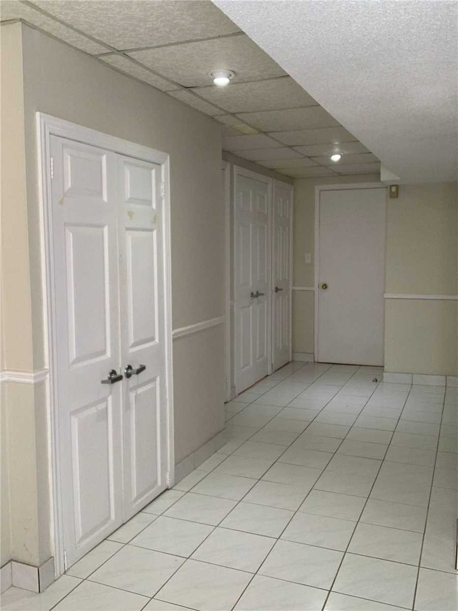 Image 5 of 5 showing inside of 1 Bedroom Detached 2-Storey for Lease at 180 Don Head Village Blvd, Richmond Hill L4C7R5
