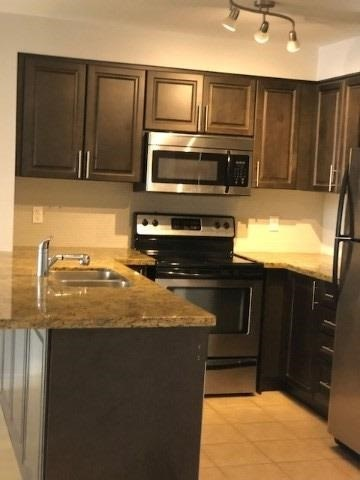 pictures of 18 Harding Blvd, Richmond Hill L4C0T3