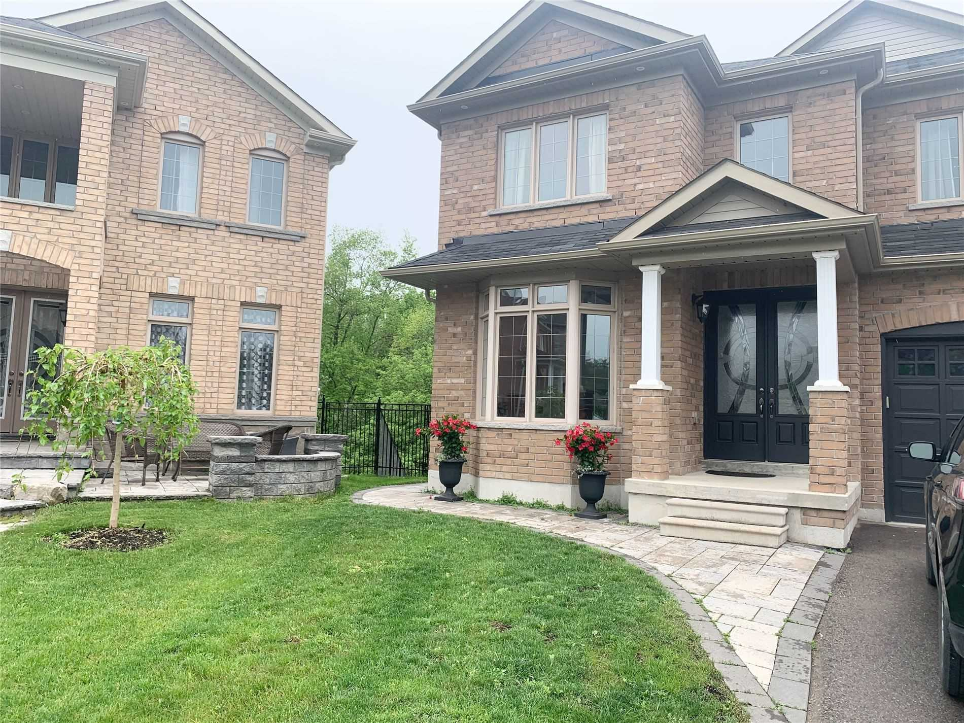 pictures of 162 Art West Ave, Newmarket L3X0C1