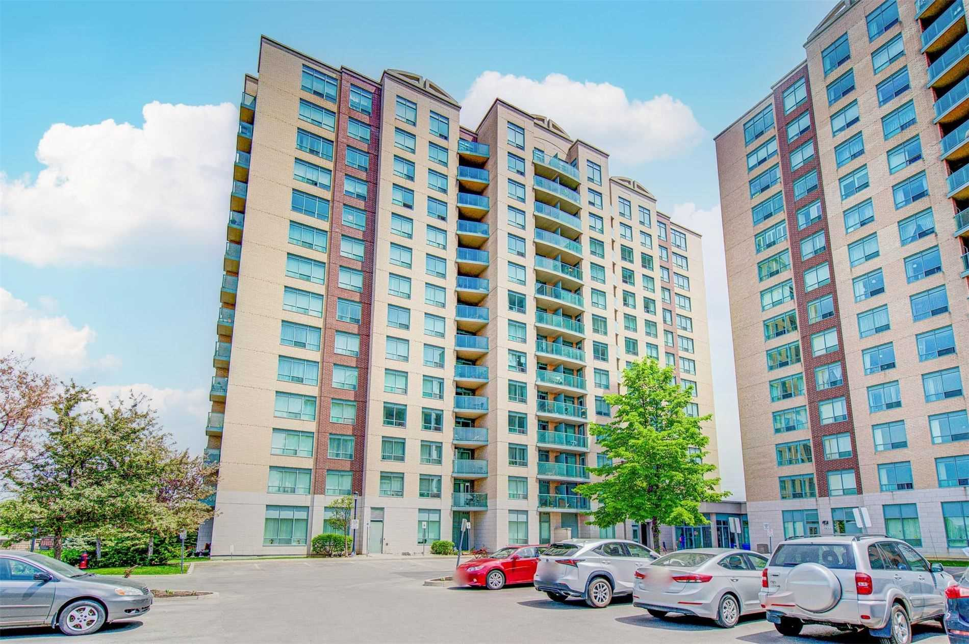 pictures of 11 Oneida Cres, Richmond Hill L4B0A1