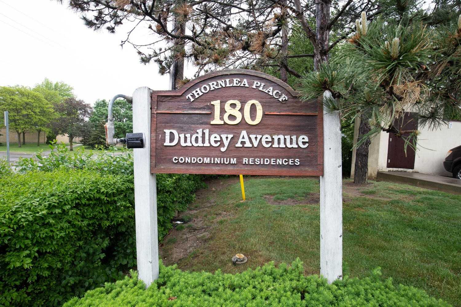 pictures of 180 Dudley Ave, Markham L3T4X3