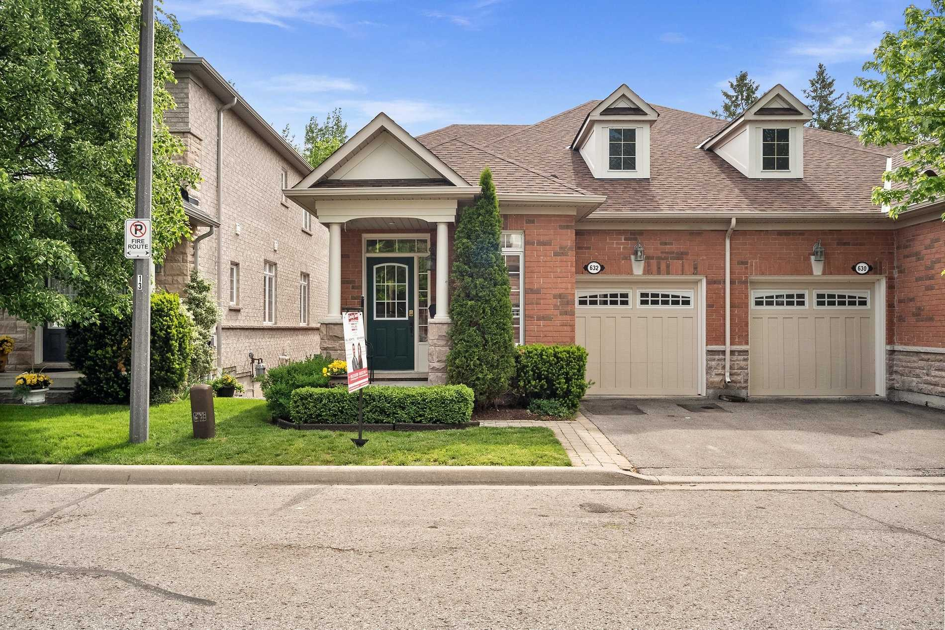 pictures of 632 Tapestry Lane, Newmarket L3X3C8
