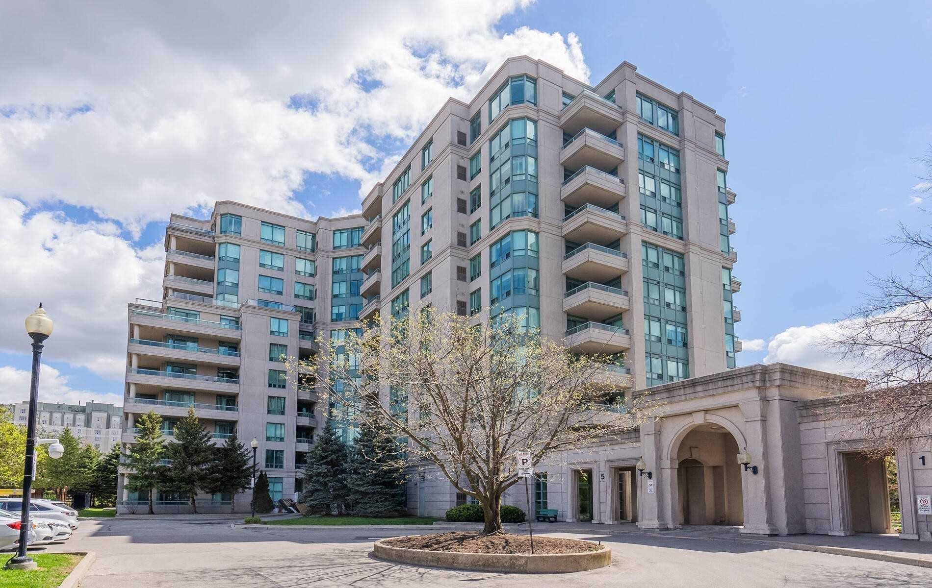 pictures of 5 Emerald Lane, Vaughan L4J8P7