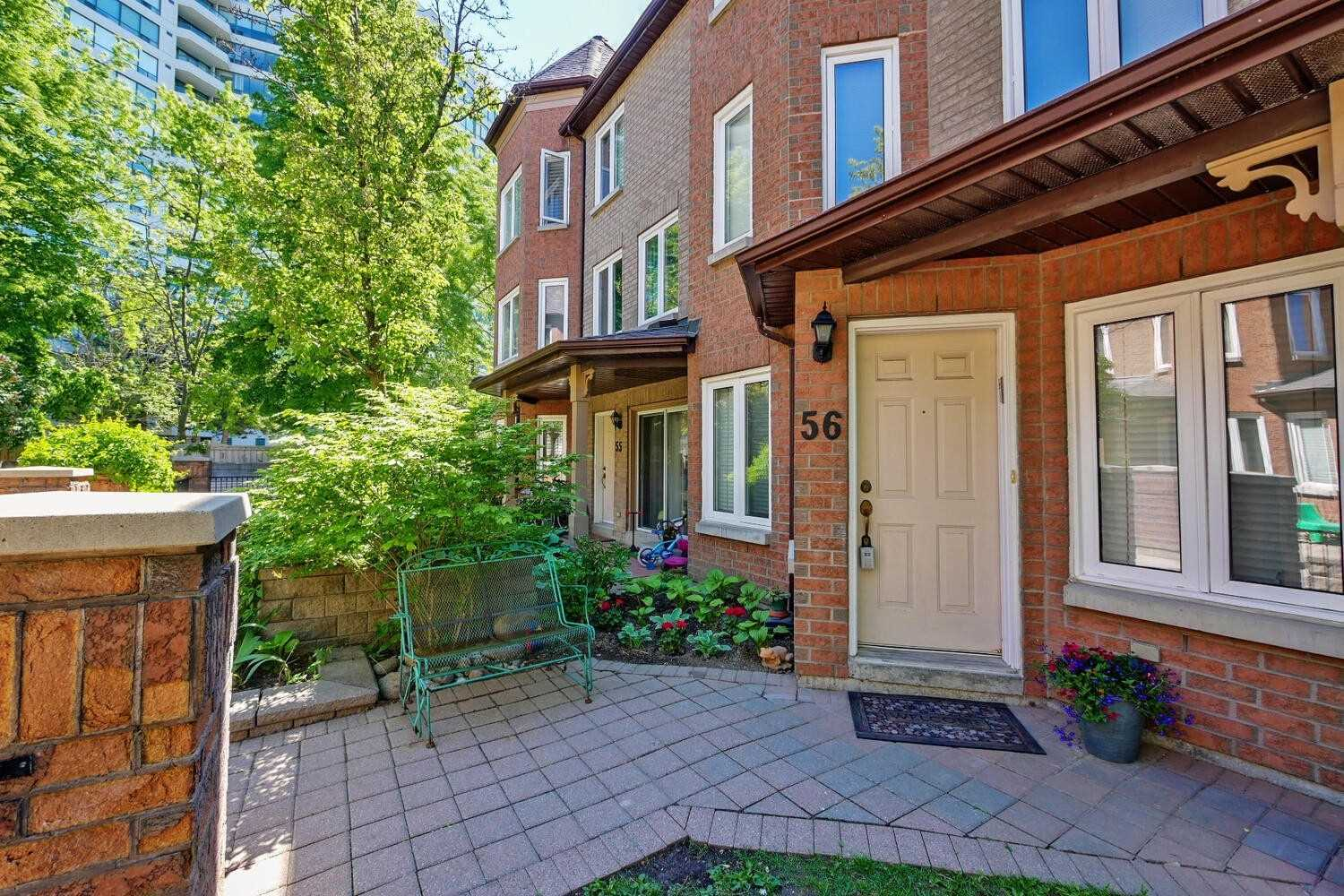 pictures of 735 New Westminster Dr, Vaughan L4J7Y9