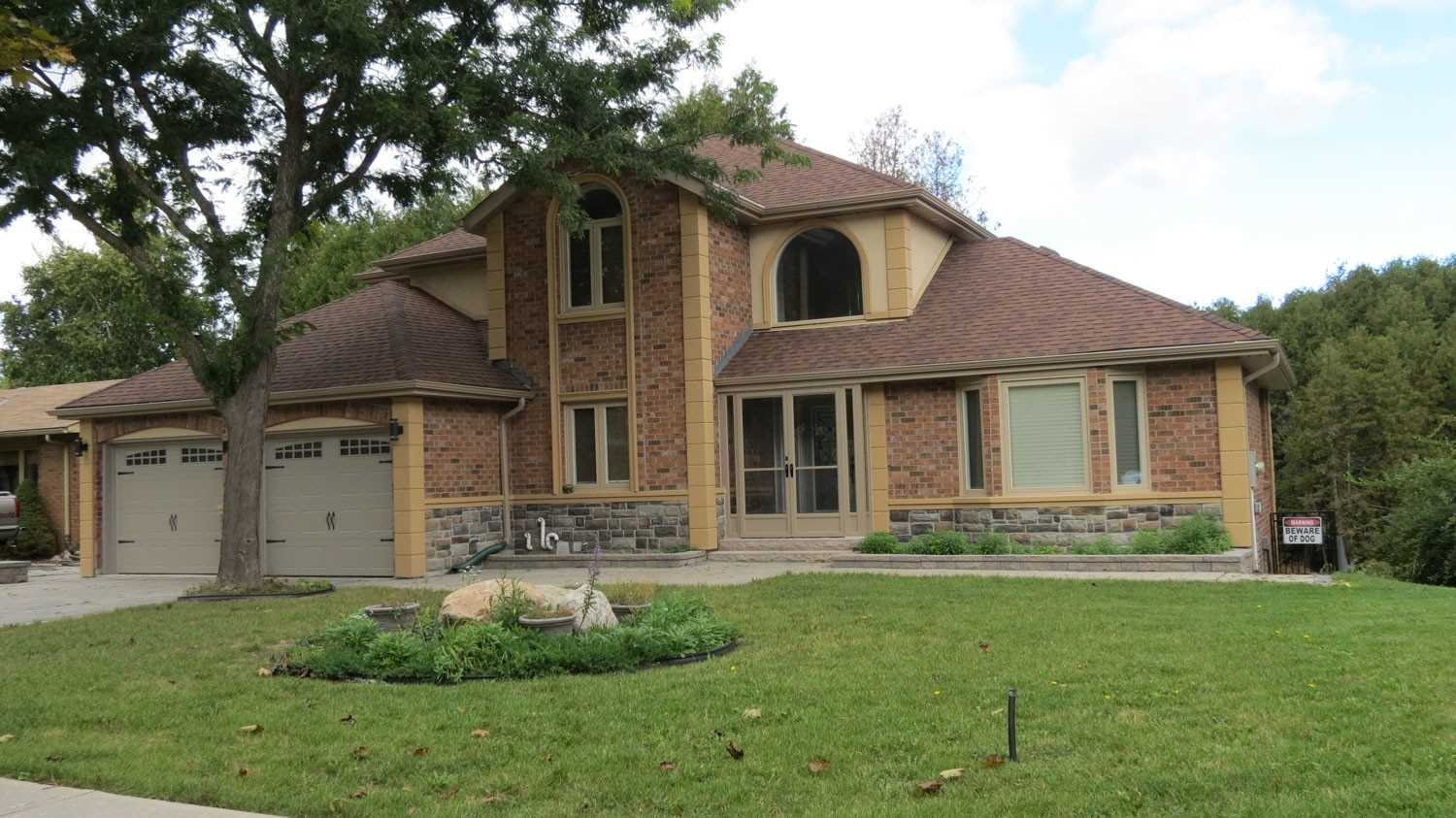 pictures of 979 Wayne Dr, Newmarket L3Y2W9