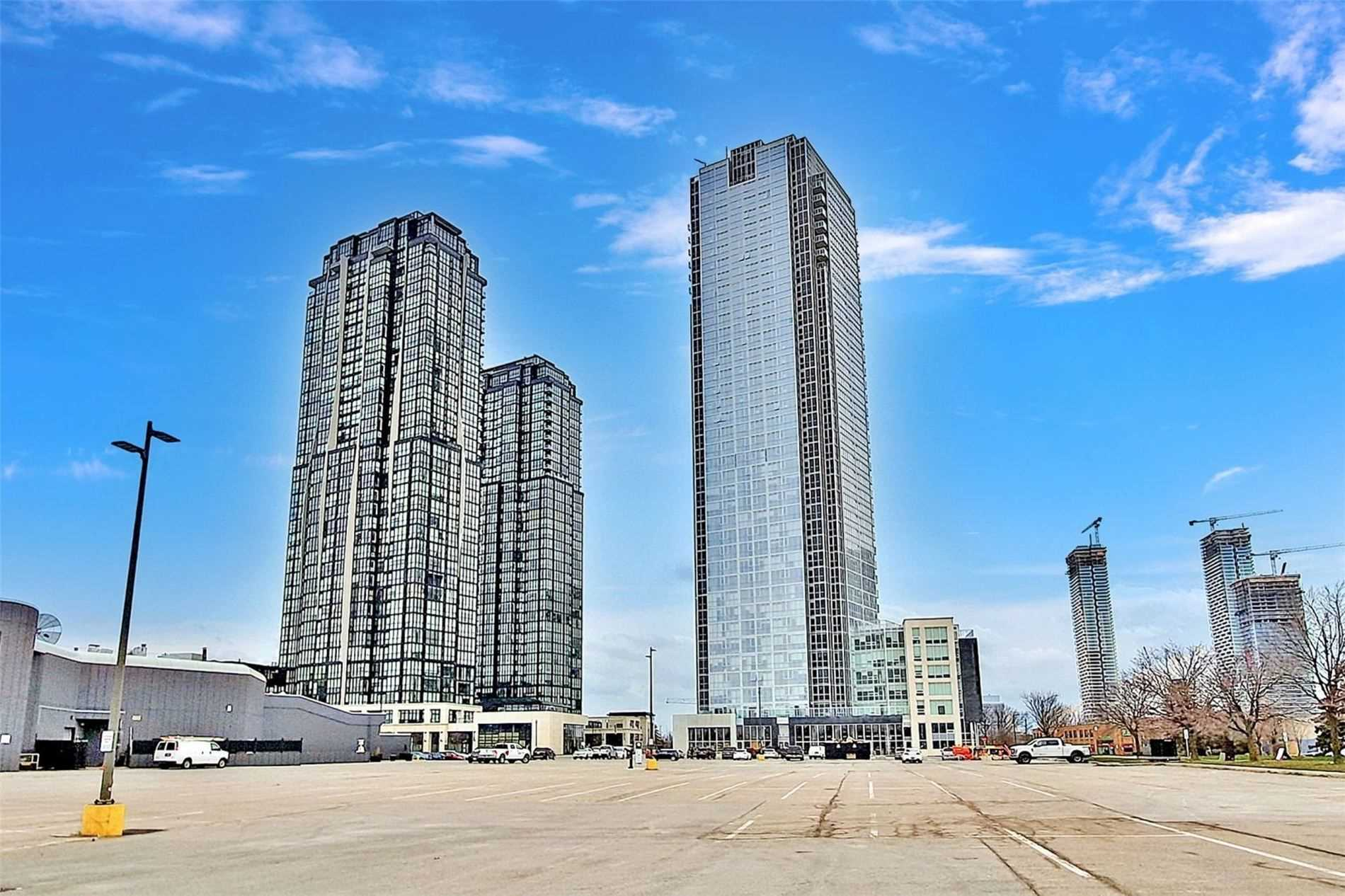 pictures of 2908 Highway 7 Rd W, Vaughan L4K0K5