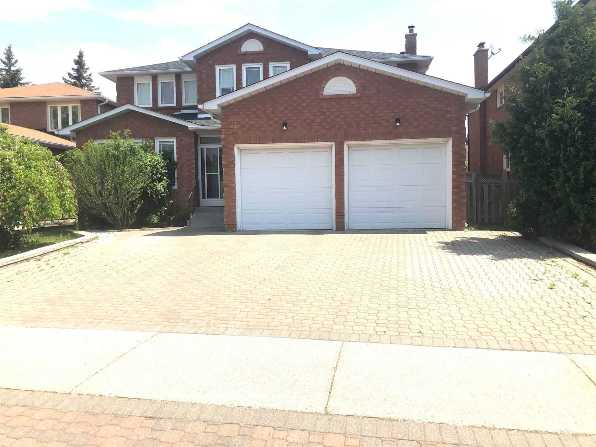 pictures of 361 Valleymede Dr, Richmond Hill L4B3E8