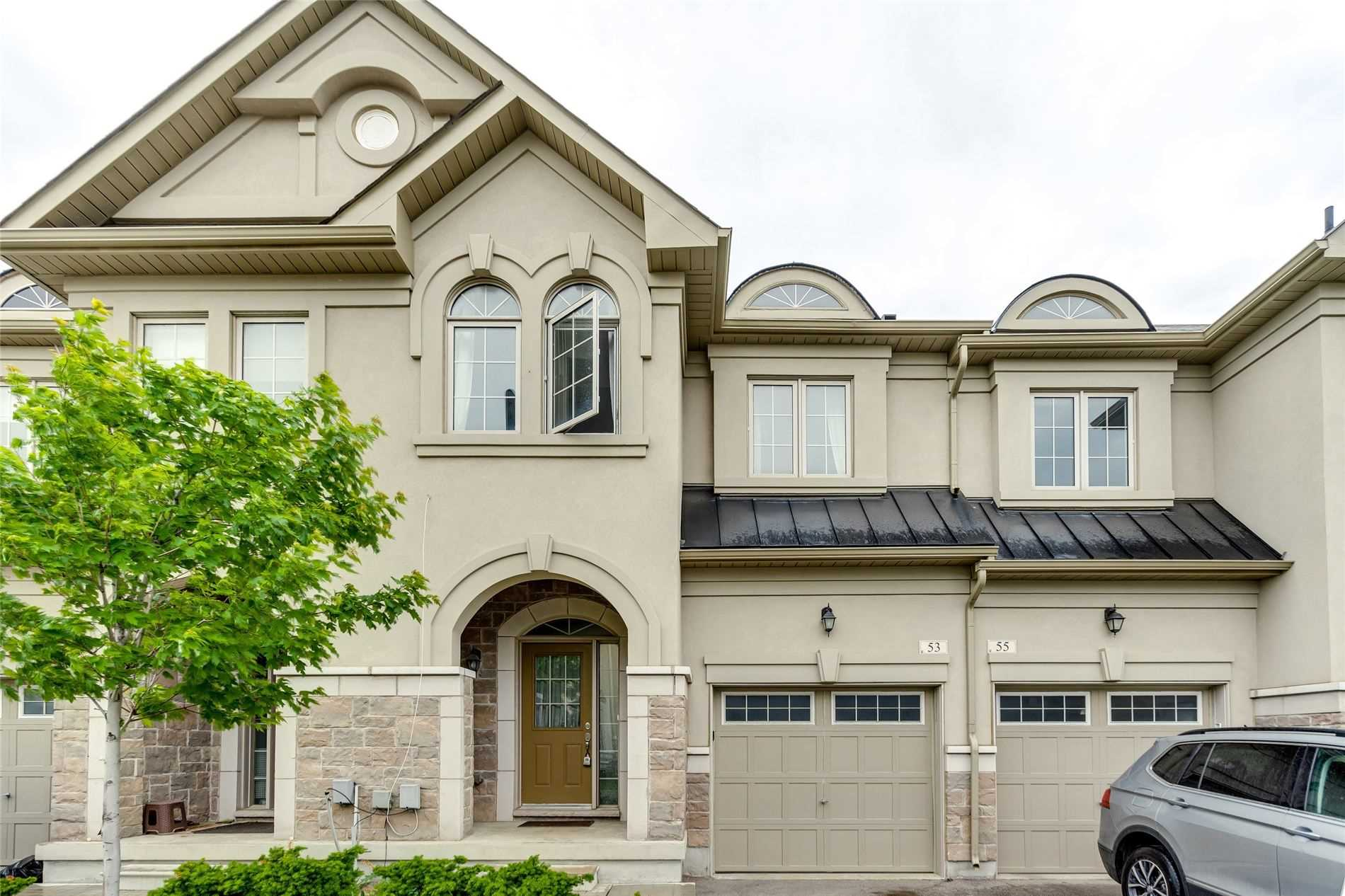 pictures of house for sale MLS: N5257602 located at 53 Ruffle Lane, Richmond Hill L4E0W3