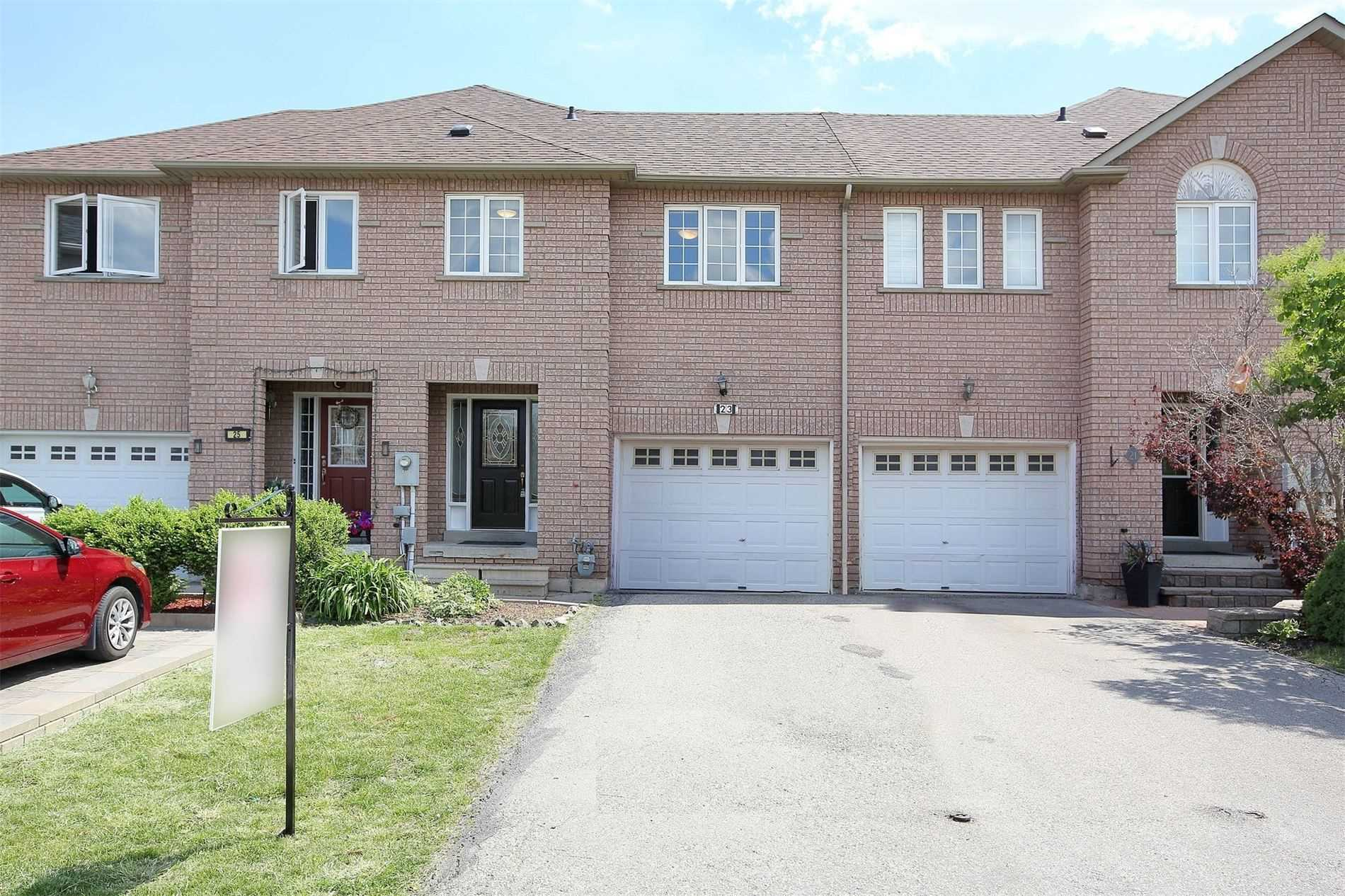 pictures of house for sale MLS: N5257607 located at 23 Zantella Crt, Vaughan L6A1Z7