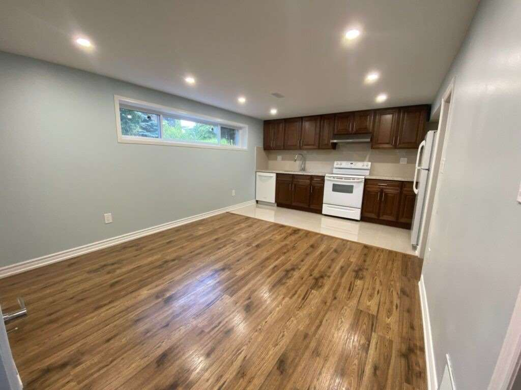 pictures of 10 Brightway Cres, Richmond Hill L4C4Z9
