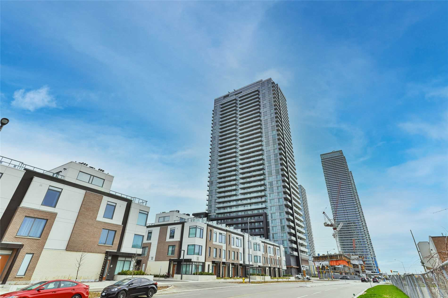 pictures of 7895 Jane St, Vaughan L4K2M7