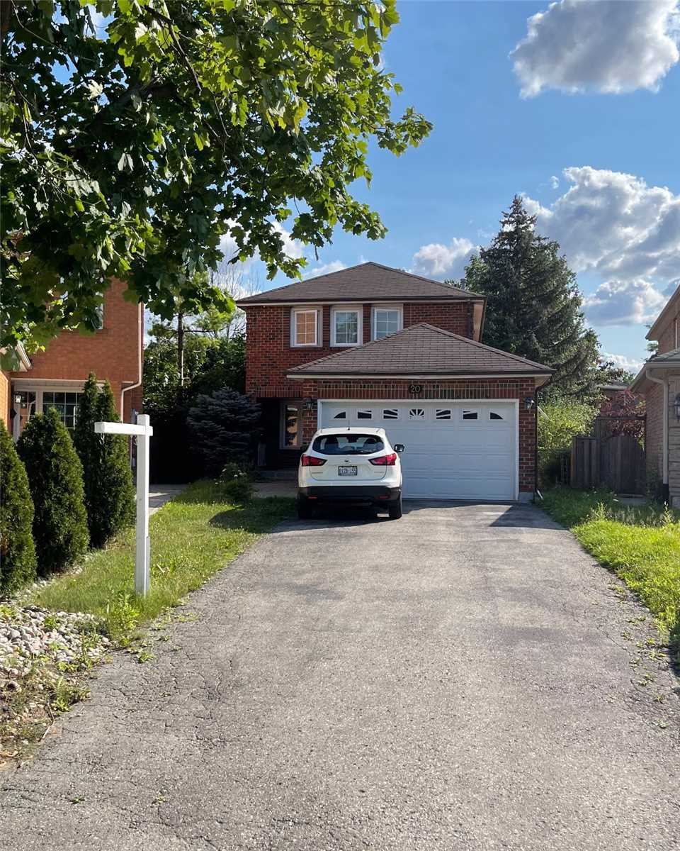pictures of 20 Mcnairn Crt, Richmond Hill L4C5X1