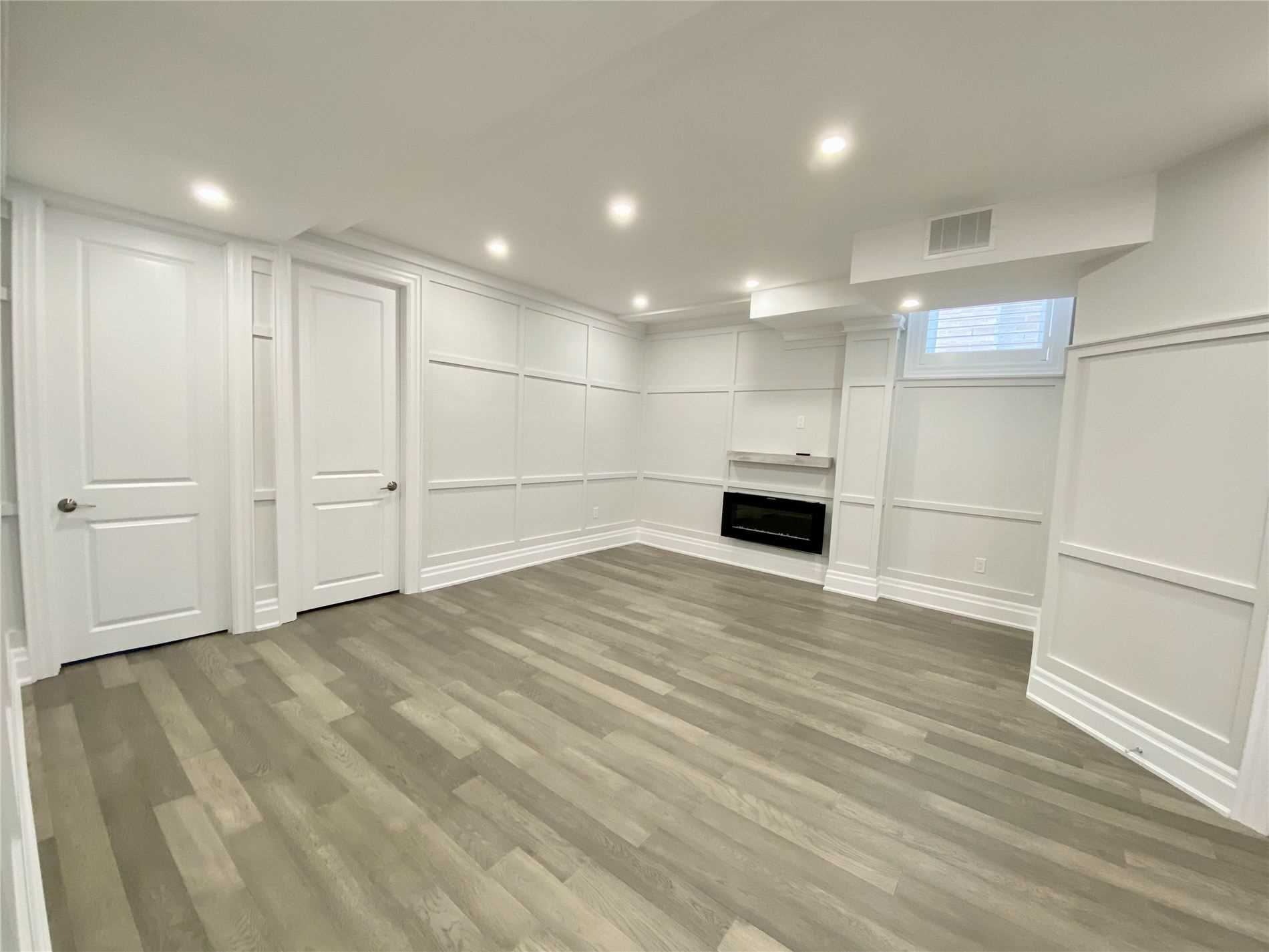 pictures of 54 Shining Willow Crt, Richmond Hill L4C5N6