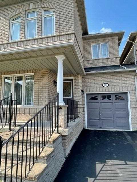 pictures of 210 Farmstead Rd, Richmond Hill L4S2J6