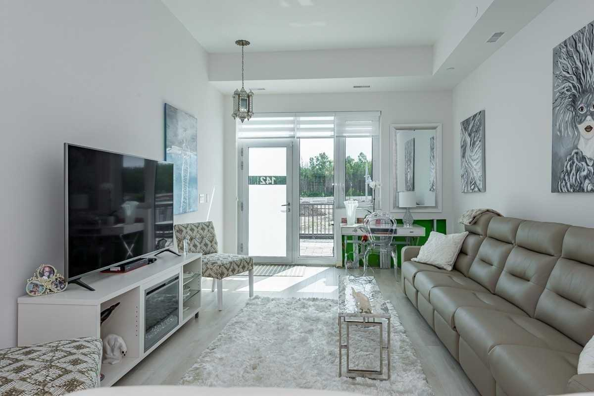 pictures of 331 Broward Way, Innisfil L9S0M6