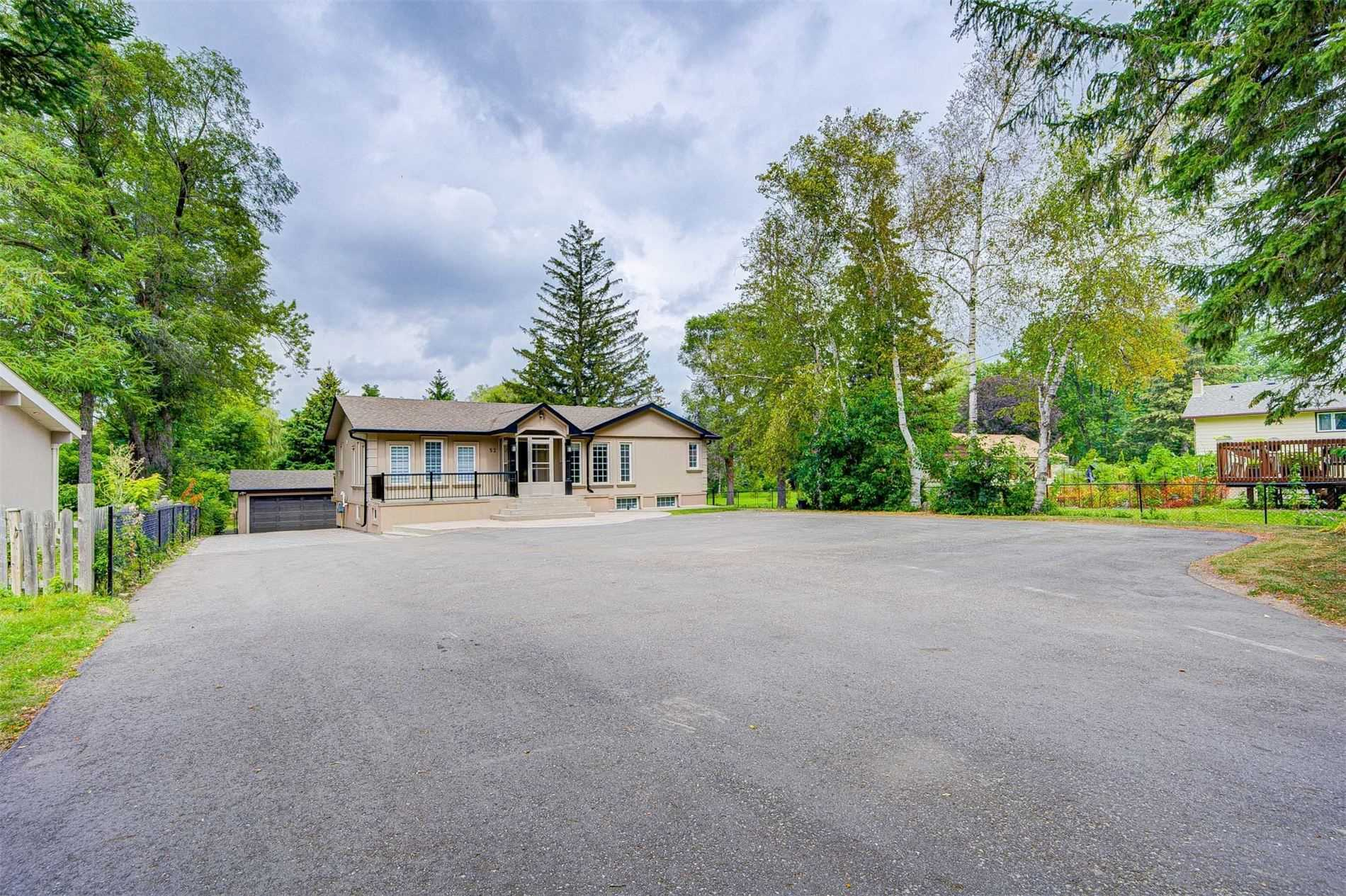 pictures of 52 Sunset Beach Rd, Richmond Hill L4E3G7