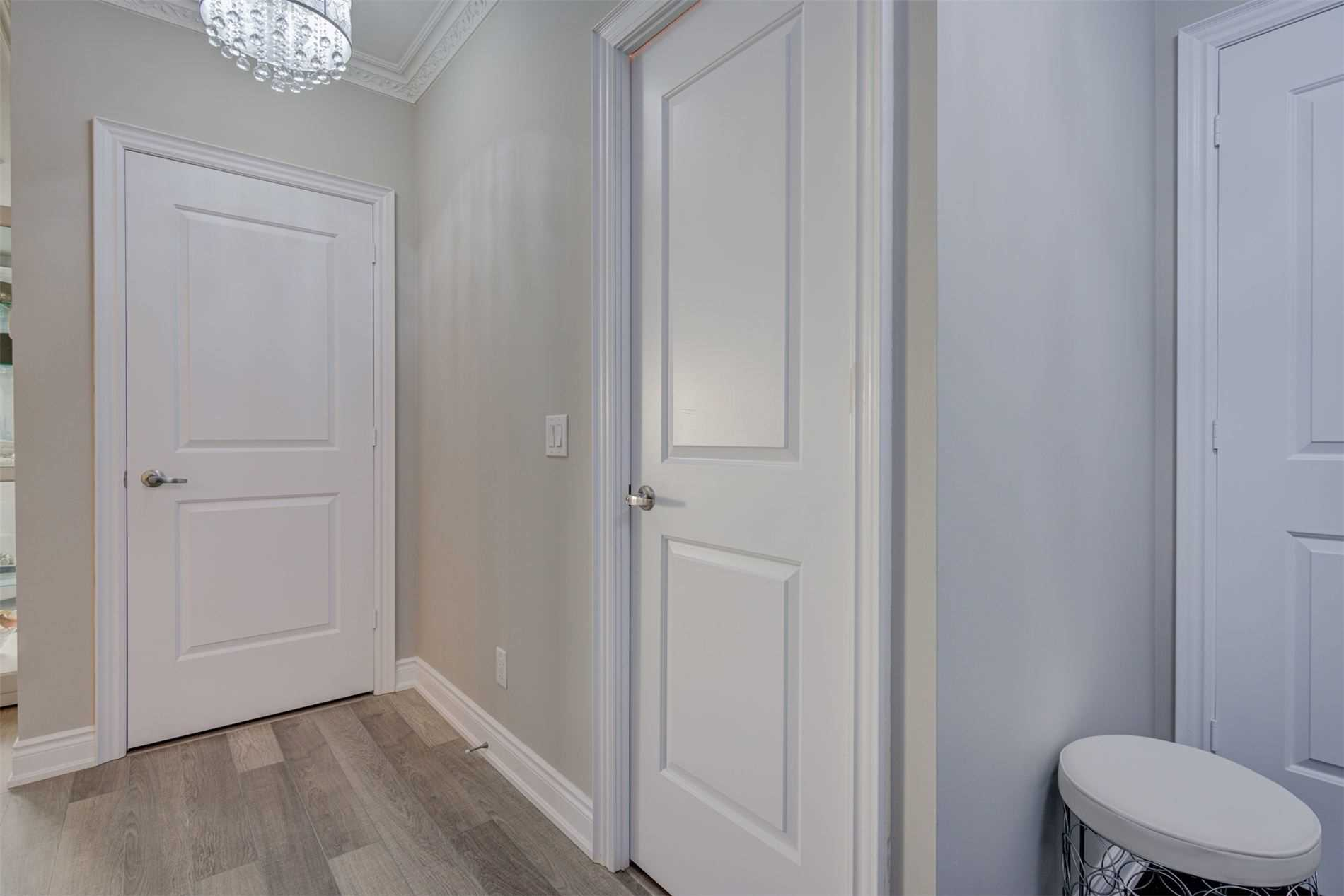 Image 35 of 39 showing inside of 2 Bedroom Condo Apt Apartment for Sale at 9255 Jane St Unit# 1603, Vaughan L6A0K1