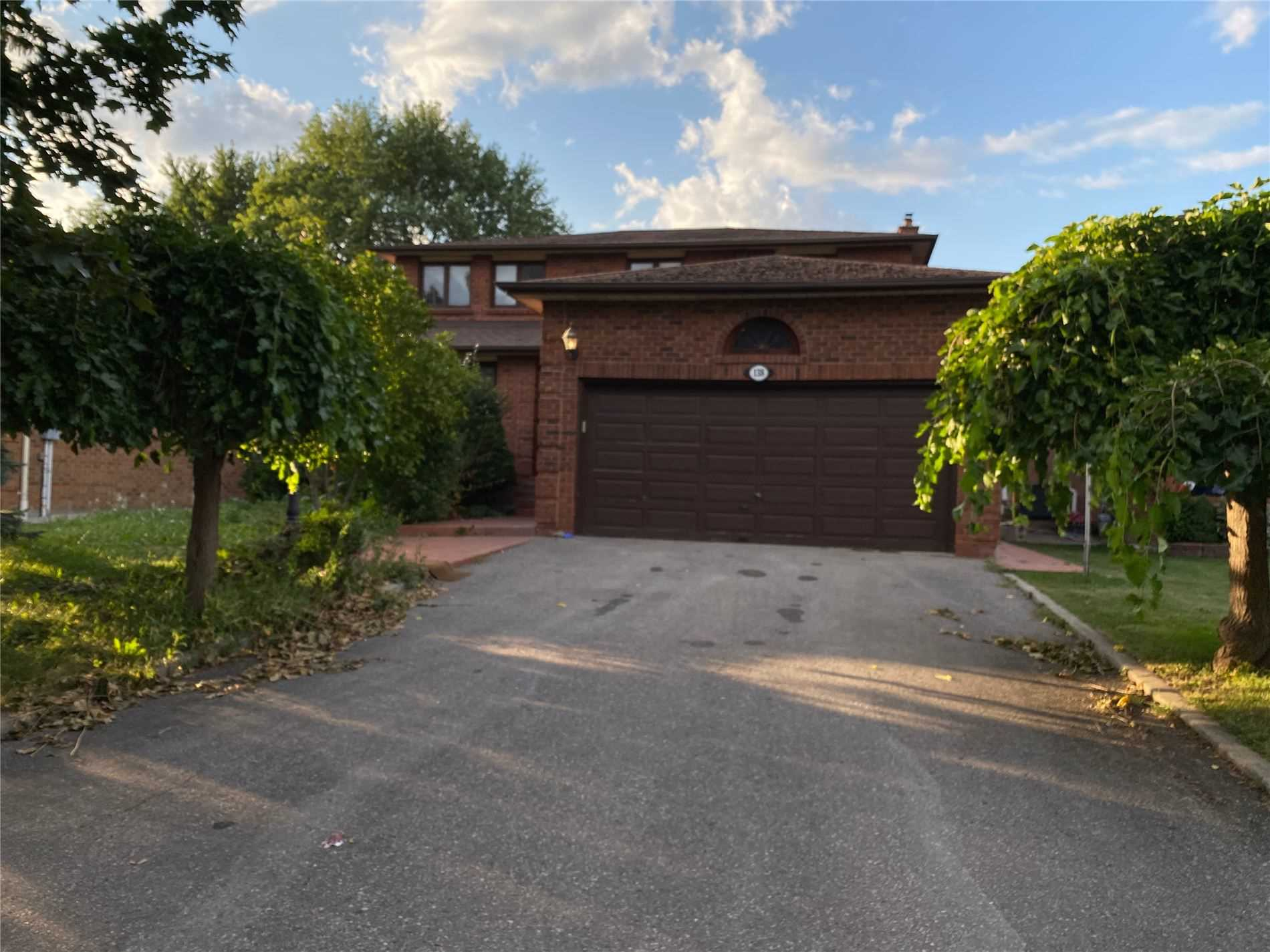 pictures of 138 Marsi Dr, Richmond Hill L4C5S8