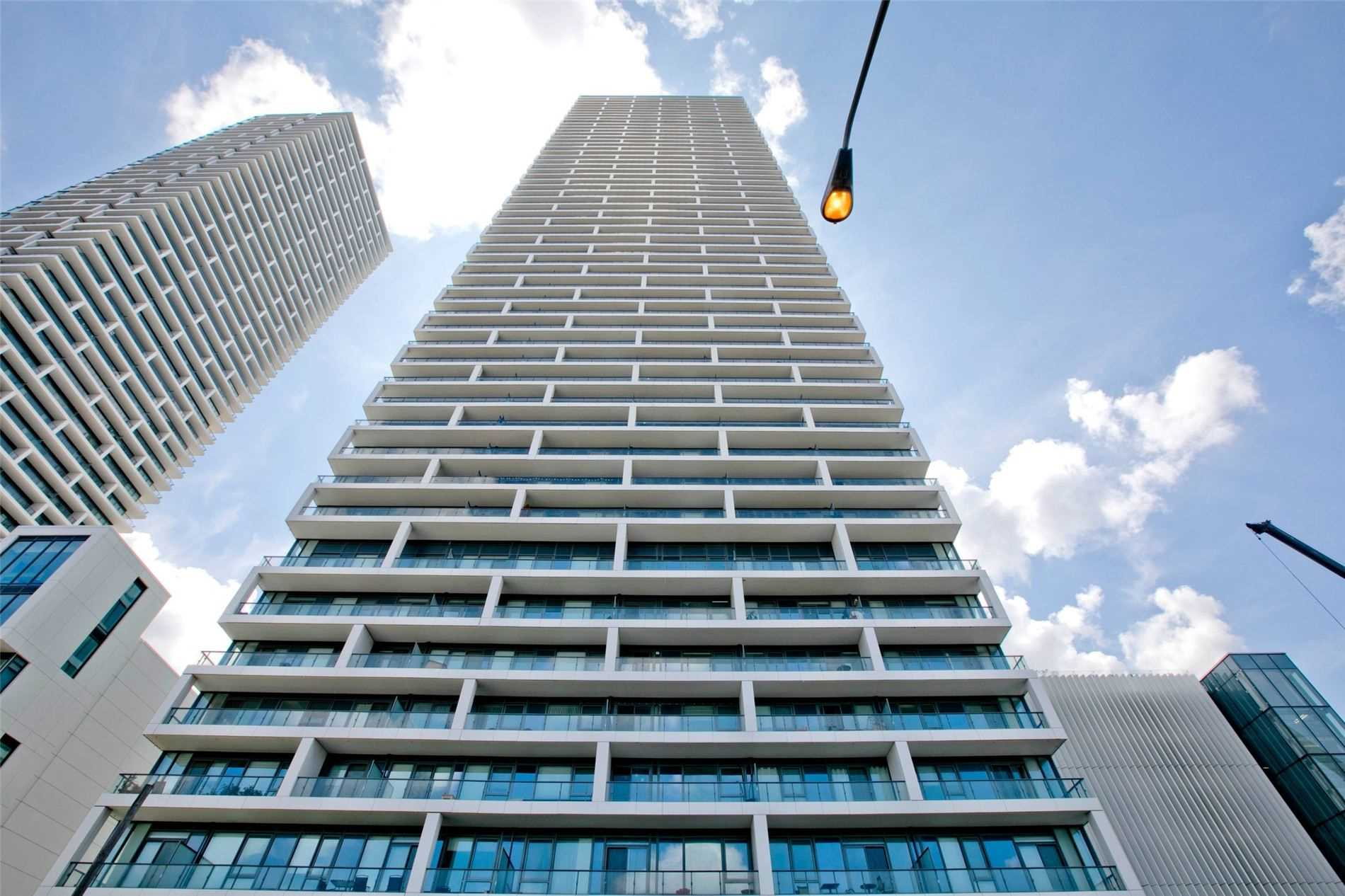 pictures of 898 Portage Pkwy, Vaughan L4K2M7