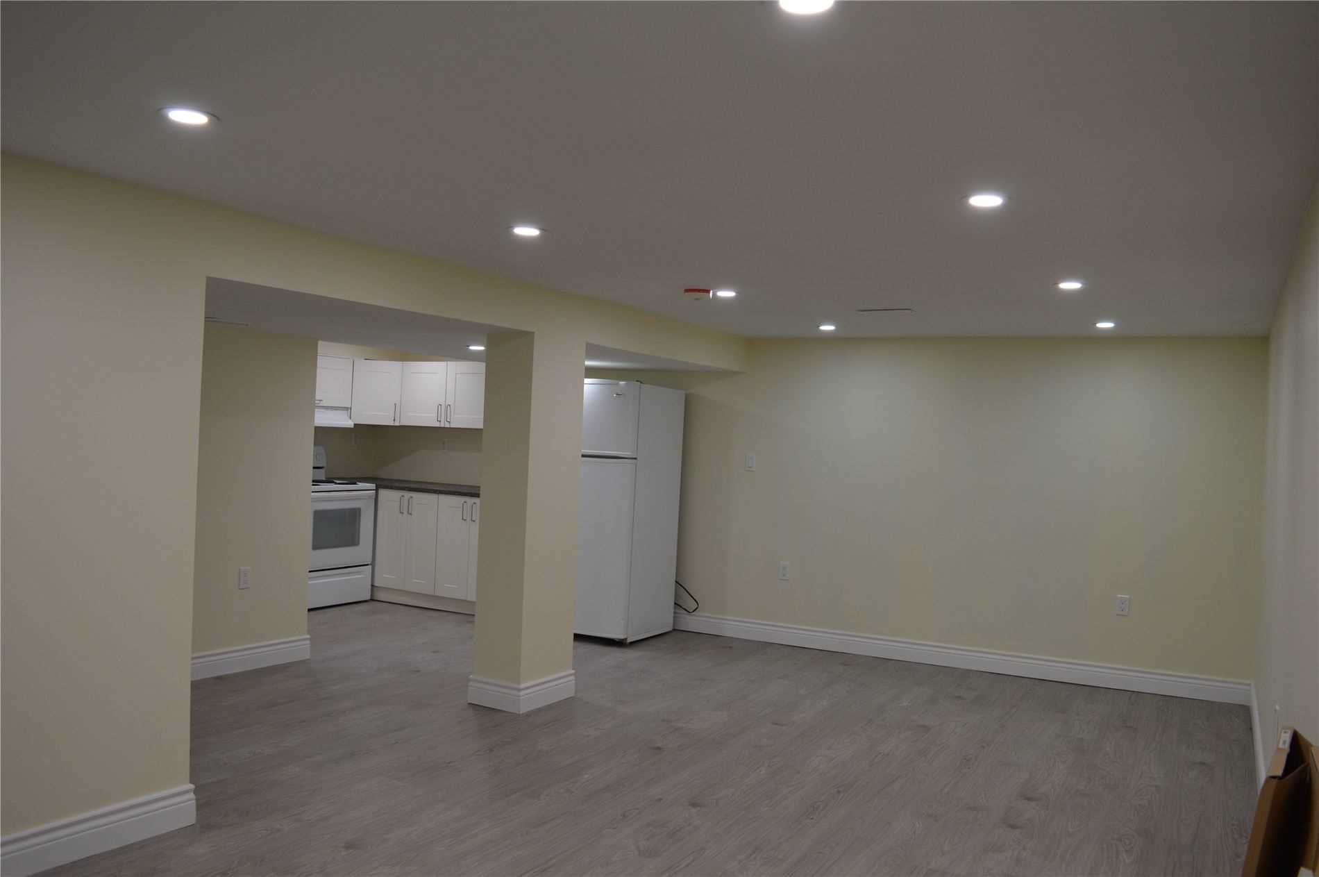 pictures of 9884 Bayview Ave, Richmond Hill L4C2L3