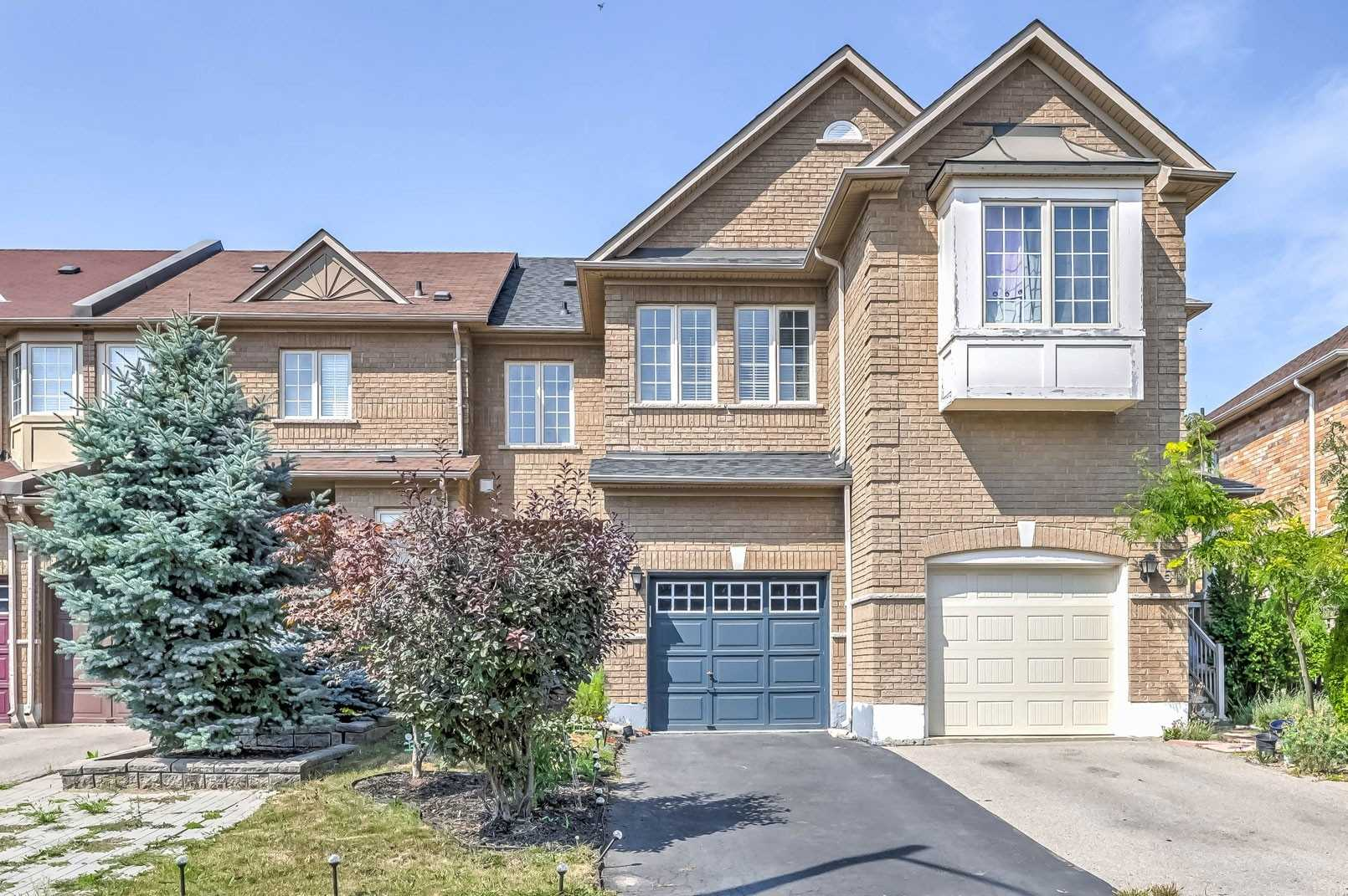 pictures of 48 Venture Ave, Richmond Hill L4S2R4
