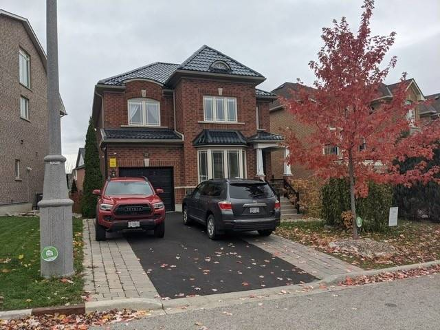 pictures of 37 Hubner Dr, Richmond Hill L4E4W7